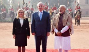 The Prime Minister, Shri Narendra Modi with the Prime Minister of Israel, Benjamin Netanyahu, at the Ceremonial Reception, at Rashtrapati Bhavan, in New Delhi.