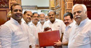 Karnataka budget: Ahead of 2019 polls, HD Kumaraswamy's political opportunism takes precedence over economic wisdom